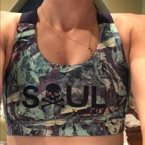 Lulu soul cycle sports bra